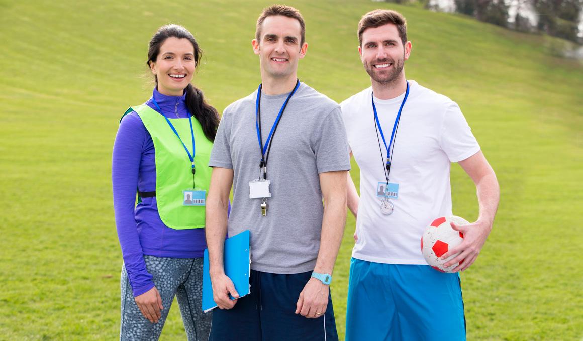 ¿Qué profesional debe prestar los servicios de entrenamiento para la salud?