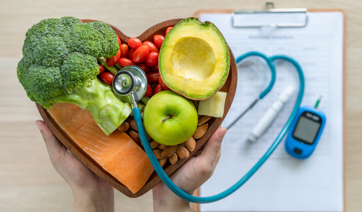 Nuevas recomendaciones para equilibrar el colesterol: Reducir la ingesta de carbohidratos, no las grasas