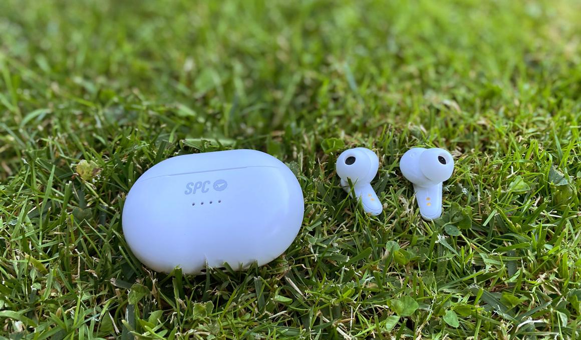 Los auriculares de 7 gramos que cancelan el ruido ambiente
