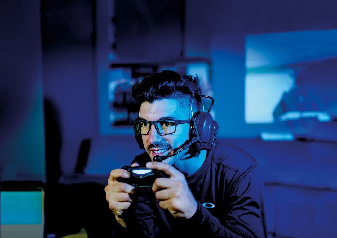 Oakley lanza sus primeras gafas para gamers