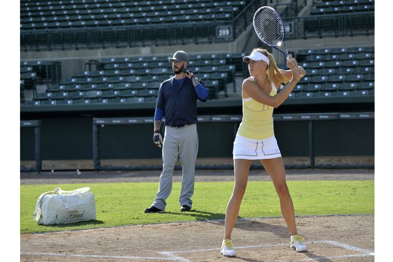 Maria Sharapova estrena nueva raqueta con grafeno