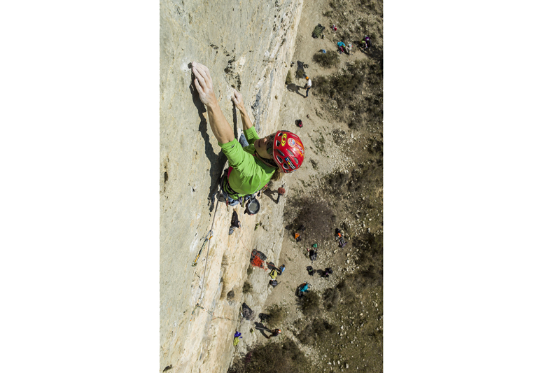 Danzando hasta el cielo: iniciación a la escalada deportiva