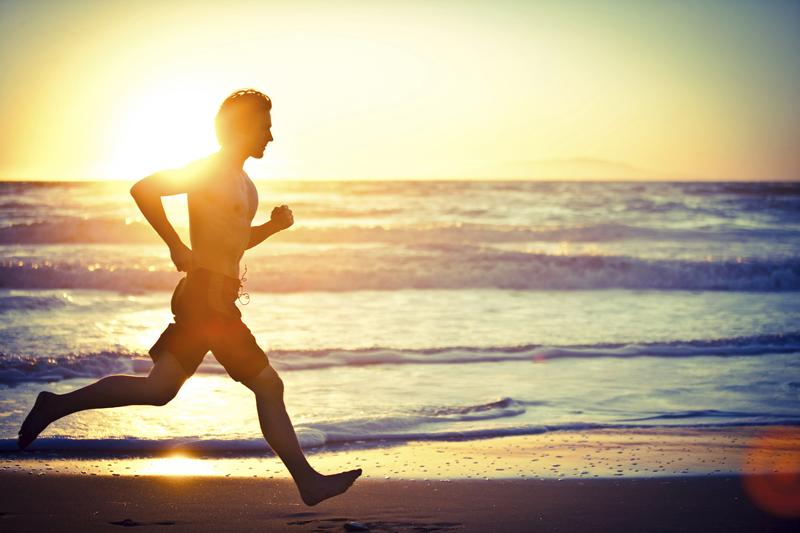 Deporte a pleno sol: aprovecha todas sus ventajas sin riesgos
