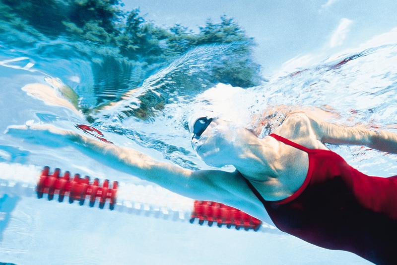 Quema más grasa en la piscina: 4 trucos para aprovechar tus largos al máximo