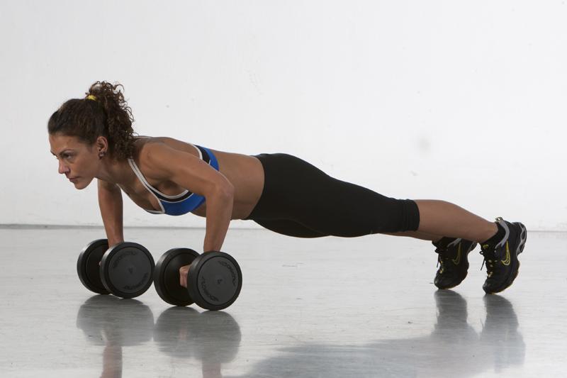 La progresión para lograr unos push-ups perfectos