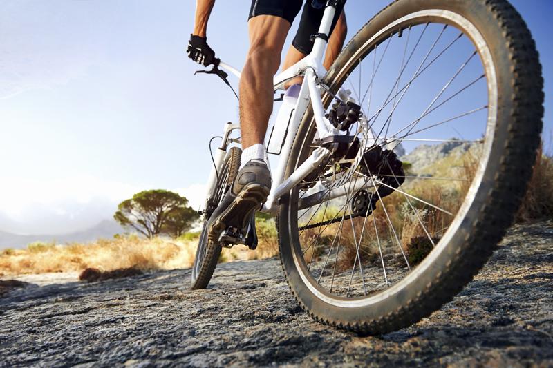 3 ejercicios que te dan más potencia en bici