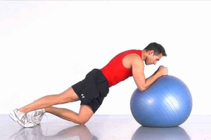 Entrena tu core con fitnessball: Circuito 3