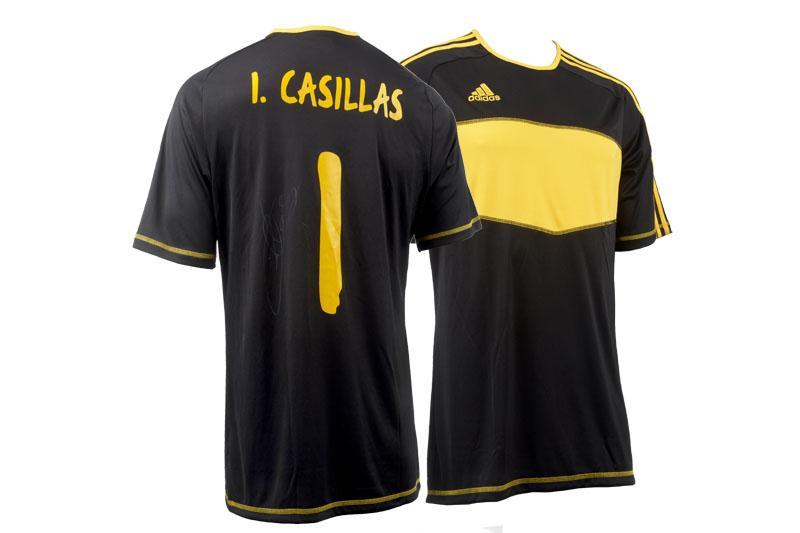 Este mes sorteamos una camiseta firmada por Iker Casillas