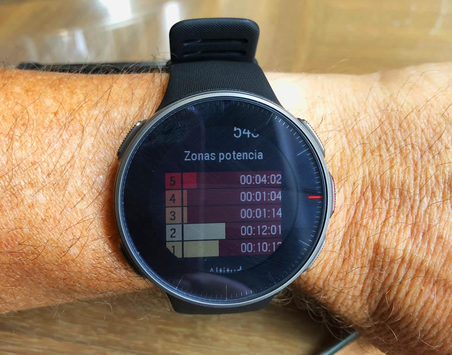 Una pantalla inédita hasta ahora en un pulsómetro: las zonas de potencia en running sin usar dispositivos externos de medición.