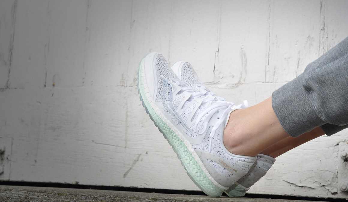 Life On The Run White Noise de Saucony: ¡para entrenar y presumir de zapatillas!