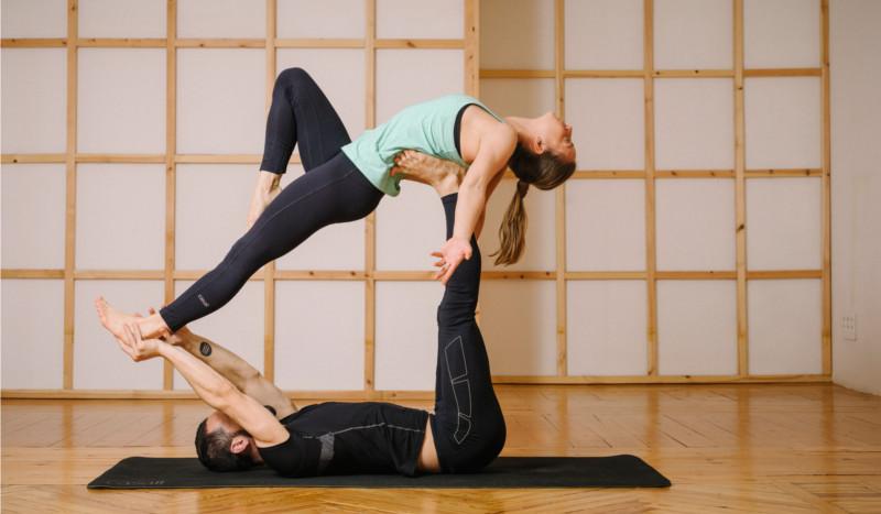 Acroyoga Yoga Para Hacer En Pareja Yoga Para Deportistas Sportlife