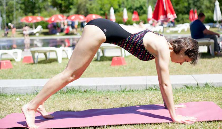 Posturas de yoga para nadadores