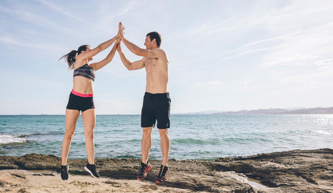 Dúo entrenamiento fitness de verano