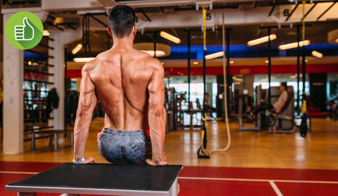 Solo necesitas una mesa para poner en marcha tus tríceps | Fitness ...