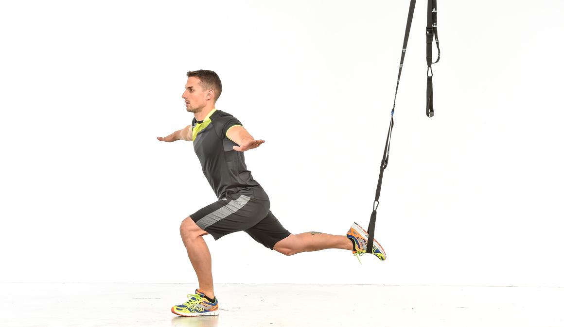Entrena y refuerza piernas y abdominales con TRX | Fitness | Sportlife