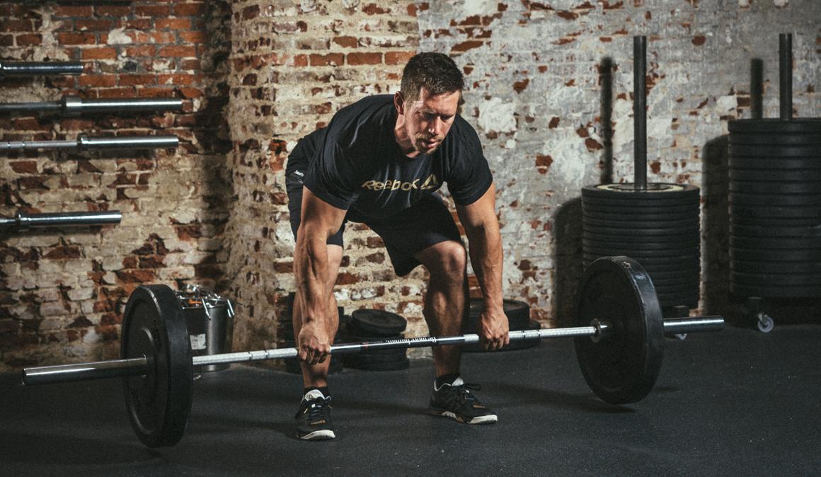 Comenzar a entrenar con abdominales o un press sin respaldo, ¿son ...