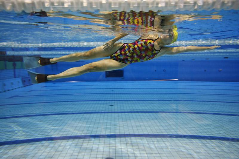 No te equivoques en la piscina sportlife for Aletas natacion piscina