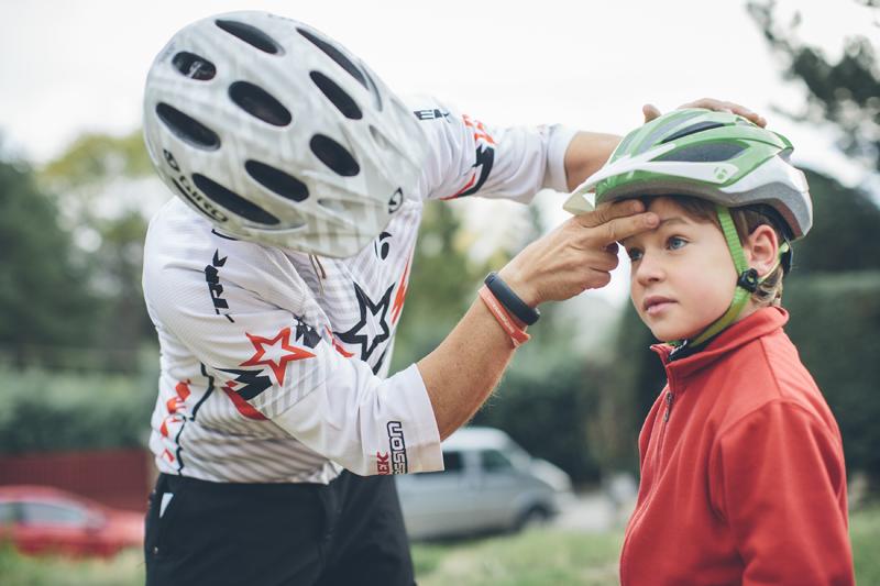 Cómo Enseñar A Un Niño A Usar La Bicicleta: ¡A La Bici! Claves Para Iniciar A Los Niños En Bicicleta