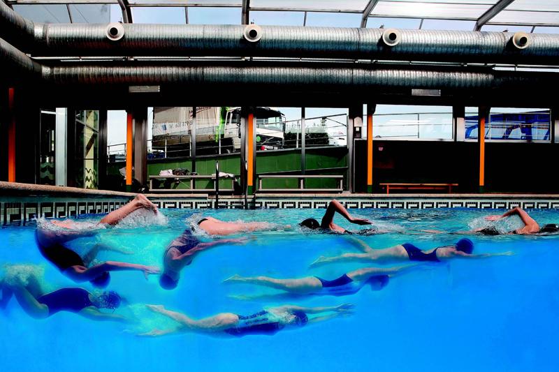 Aprende a hacer volteos nataci n for Construir pileta natacion
